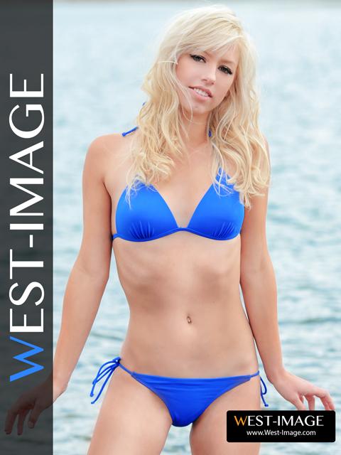 Aquia bikini model